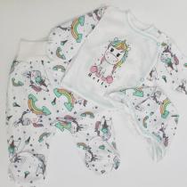 Комплект для новорожденного: штанишки, распашонка и чепчик